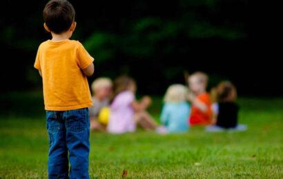 Ребенка не принимают сверстники фото