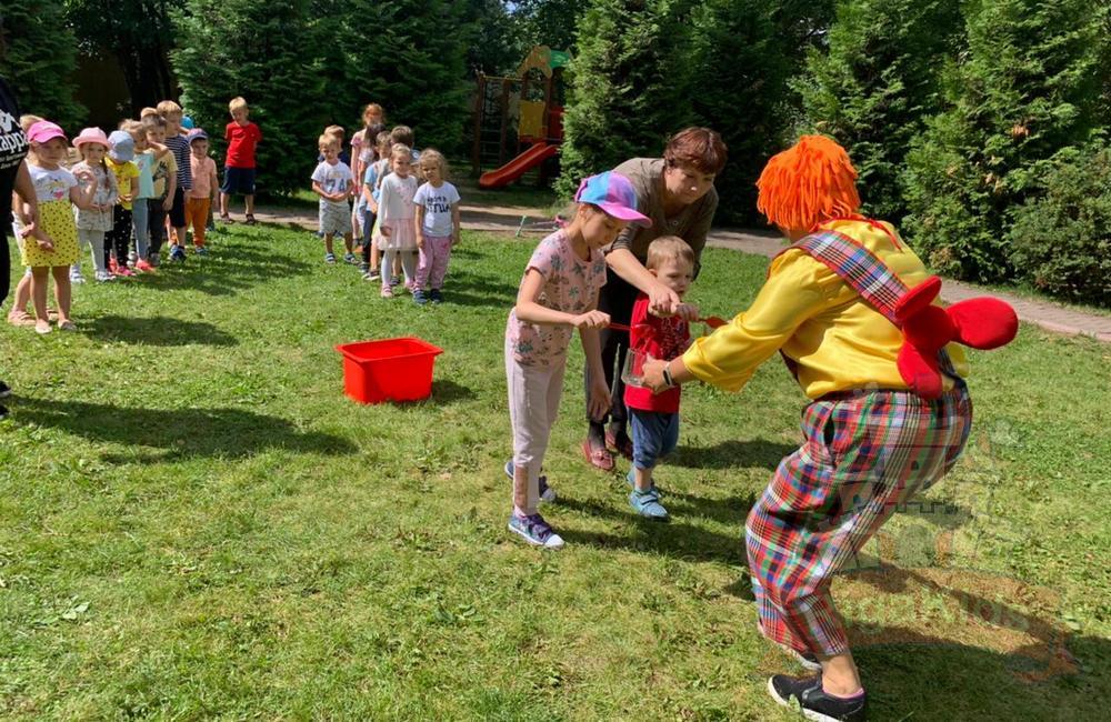 Весело проходит праздник в Рига Кидс